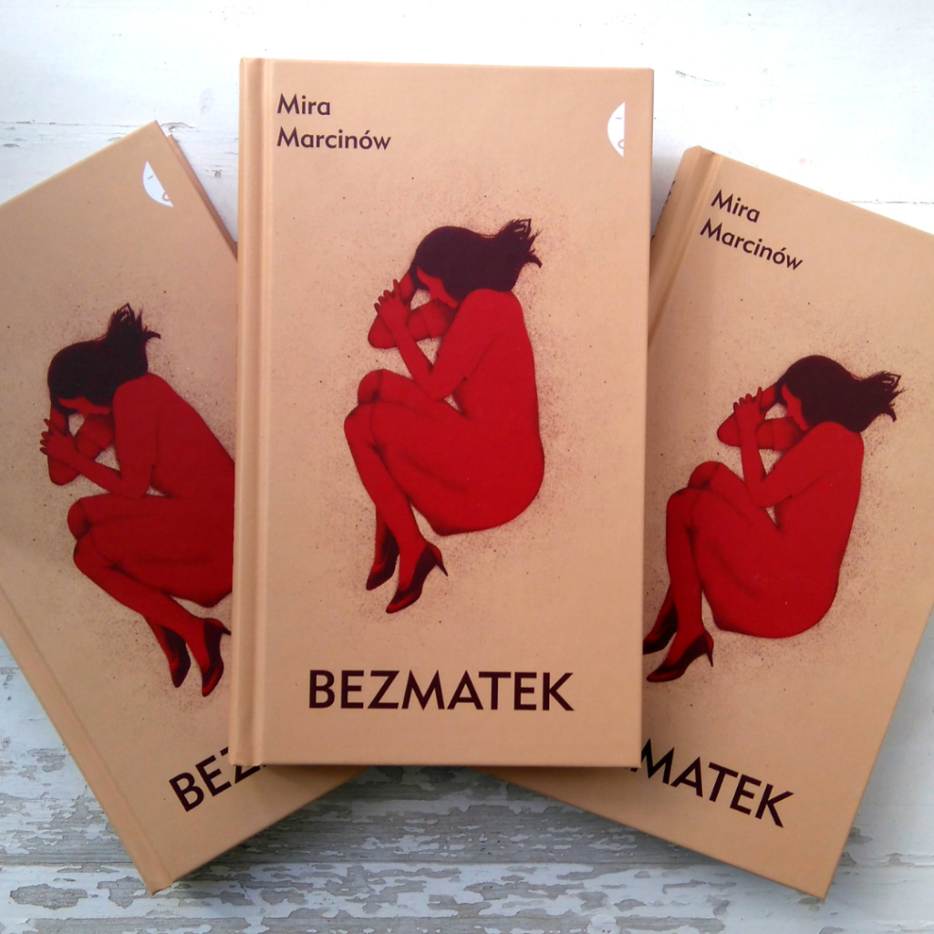 Trzy egzemplarze książki Bezmatek.