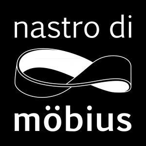 Czarno-białe logo z napisem Nastro di Mobius